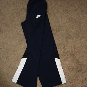 Nike lightweight athletic pants for boys